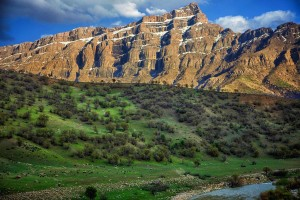Oshtaran_Mountains,_Lorestan,_Iran